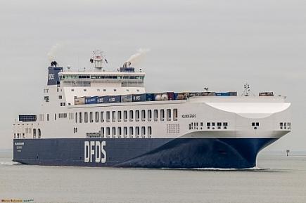 Hollandia Seaways   -   IMO nº 9832585