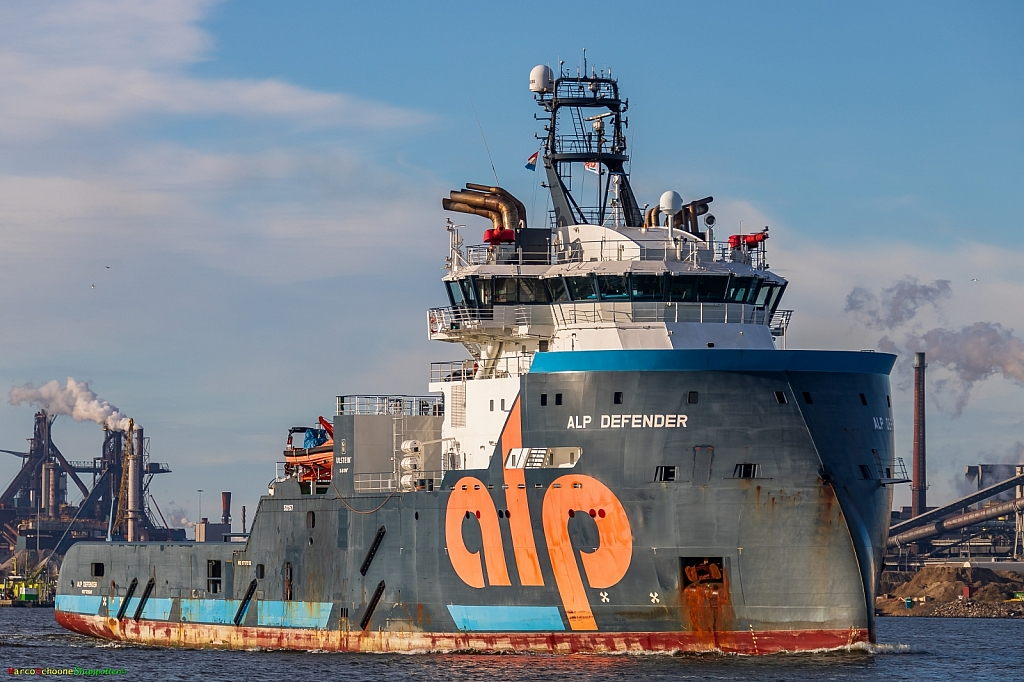 Alp Defender  -   IMO n°  9737242