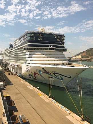 Norwegian Epic. -  IMO n° 9410569
